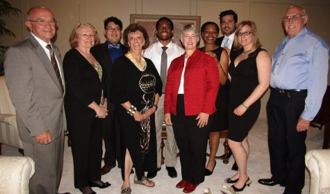 Students dine with Annise Parker