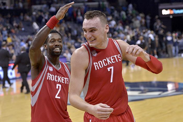 Houston+Rockets+guard+Patrick+Beverley+%282%29+congratulates+forward+Sam+Dekker+%287%29+after+Dekker+scored+30+points.++%28AP+Photo%2FBrandon+Dill%29