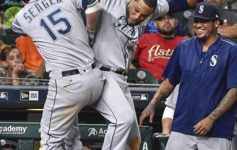 Astros lose twice in Monday's game