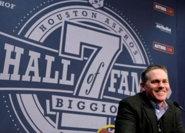 Biggio at press conference after receiving the news of his call to the hall.