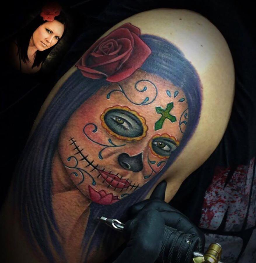 Local+tattoo+artist+Gerardo+inks+a+tattoo+freehanded+based+off+a+spall+picture.+Tattoos+have+increasingly+gained+acceptance+in+the+mainstream.+