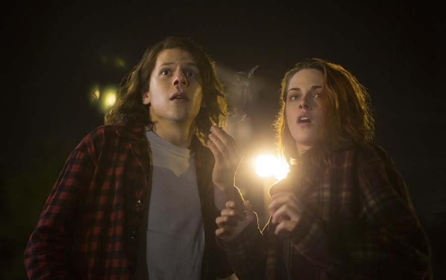 In+this+image+released+by+Lionsgate%2C+Jesse+Eisenberg%2C+left%2C+and+Kristen+Stewart+appear+in+a+scene+from+%22American+Ultra.%22