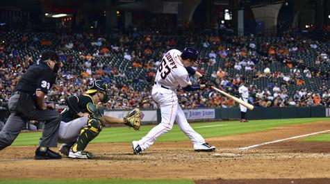 Matt Duffy hitting his 1st Major League hit.