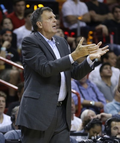 Houston Rockets head coach Kevin McHale questions a call in the second half of an NBA basketball game against the Miami Heat, Sunday, Nov. 1, 2015, in Miami. The Heat won 109-89. (AP Photo/Alan Diaz)