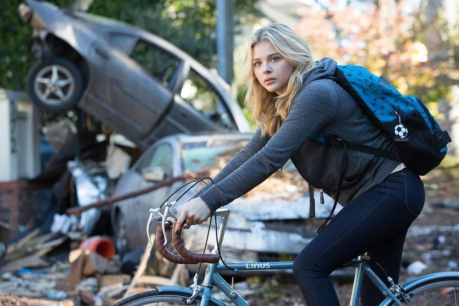 This photo provided by Sony Pictures Entertainment shows Chloe Grace Moretz as Cassie Sullivan in a scene from the Columbia Pictures release,