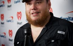 Review: No sophomore slump for country singer Luke Combs
